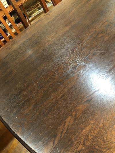アンティークテーブルの塗装後の天板