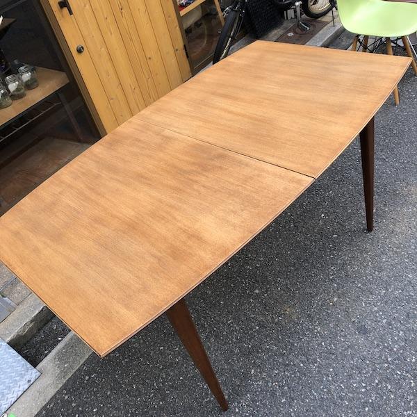 テーブルの再塗装
